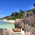 Cheap return flights to Seychelles (incl. Praslin Island!) from €445..