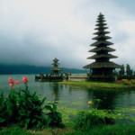 Cheap open-jaw flights to Indonesia with Emirates from €336!