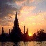 Singapore Airlines open-jaw flights Amsterdam - Bangkok - London from £298 (€337)!