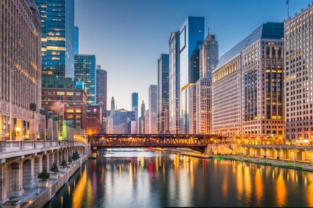 Cheap TAP flights from Barcelona to Chicago from €196 return!