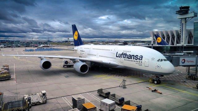 Lufthansa / Swiss companion promotion: Business Class flights from Amsterdam to Africa, Asia or South America from €771!