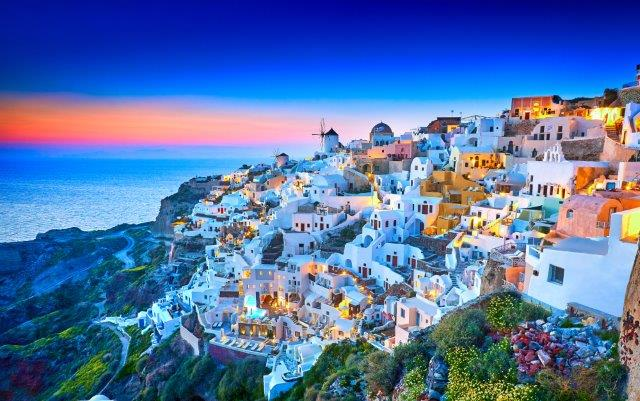 Fly from Vienna to Greece (Zakynthos, Crete, Corfu, Rhodes, Athens, Thessaloniki, Santorini) from only €20 round trip!