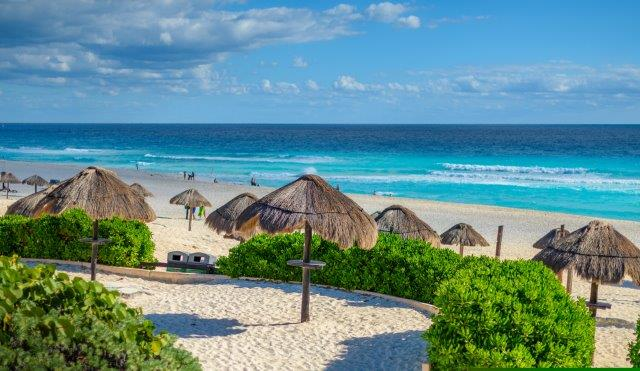 Fly cheap from Spain to Cancun in 2021 from only €264 return!