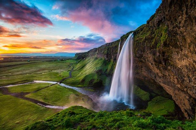 Cheap direct flights from London to Iceland in June for just £23 return!