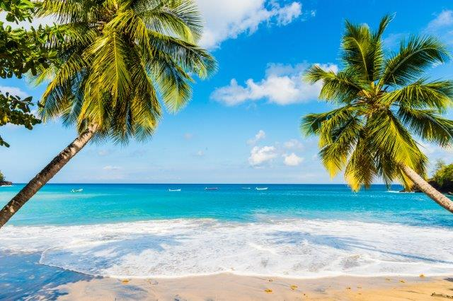 Cheap return flights from Luxembourg to Martinique or Guadeloupe for €369!