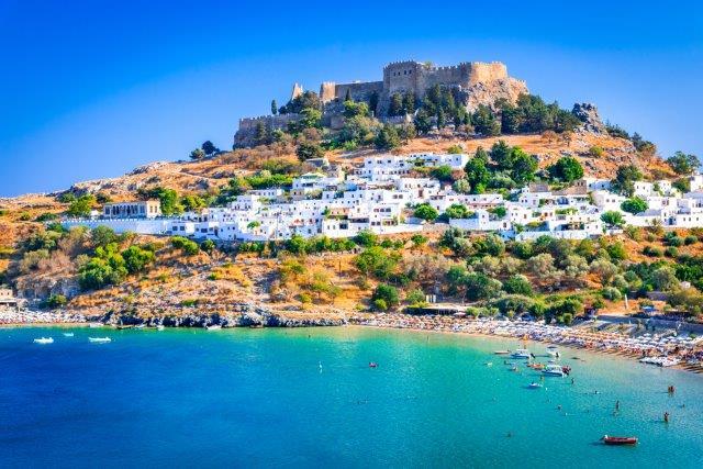 Fly from Milan to Greece (Zakynthos, Crete, Corfu, Rhodes, Athens, Thessaloniki, Santorini) from only €20 round trip!