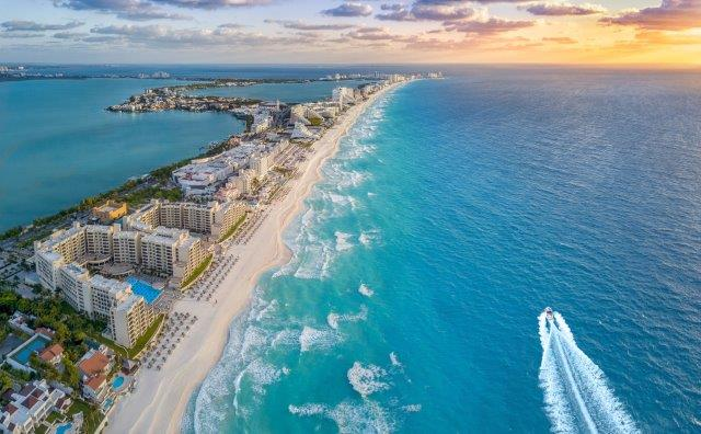 Cheap return flights from London to Cancún, Mexico (+ Lisbon) from £307!