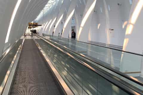 Copenhagen Airport Guide - Walkway