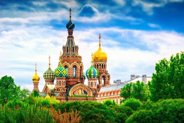 Low-cost flights from Salzburg, Austria to St. Petersburg, Russia for €20!