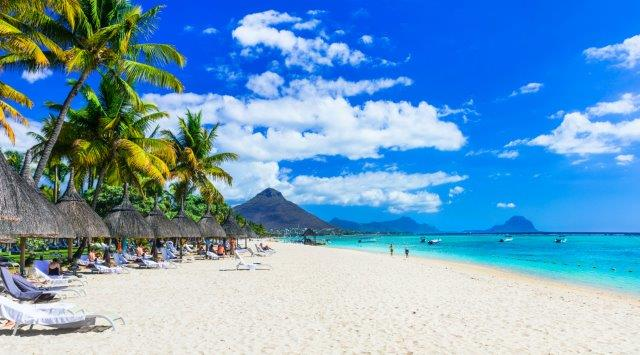 Full-service flights from London to Mauritius (+ Istanbul) from £419!