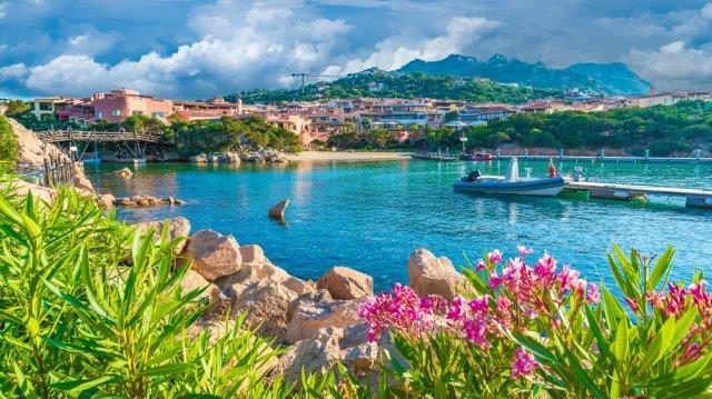 Cheap non-stop flights from Vienna to Sardinia (Alghero) from €20!