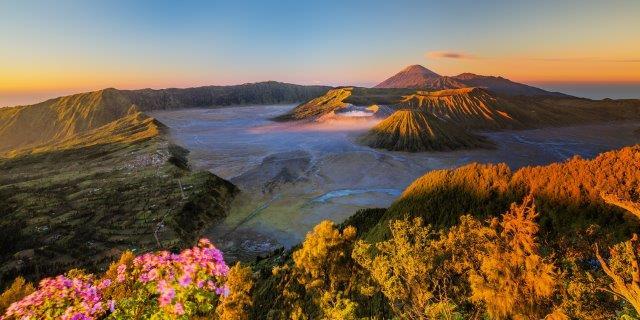 Full-service return flights from Vienna to Indonesia (Jakarta, Bali) from €388!