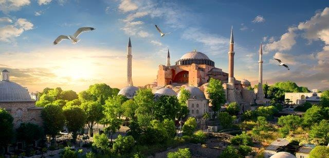 Full-service non-stop return flights from Milan to Istanbul for just €35!